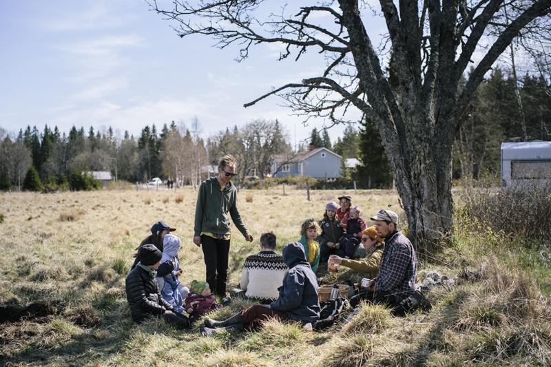 Många är intresserade av att åter bruka jorden på Holmön. Foto: Alexandra Ellis