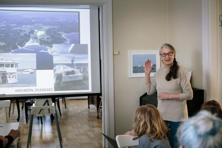 Här fick vi ett inspirerande besök av Ulla Herlitz, som har erfarenhet av att utveckla små samhällen. Foto: Alexandra Ellis